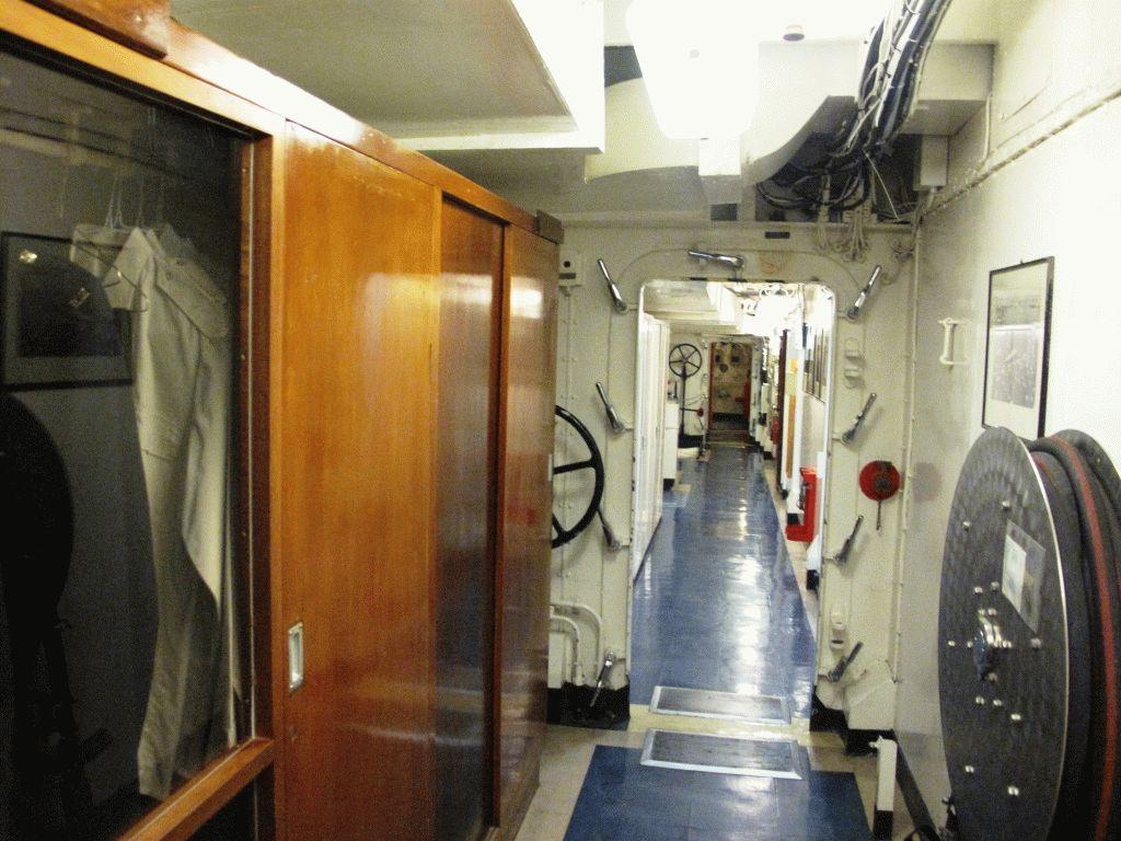 на яхте Британния фото
