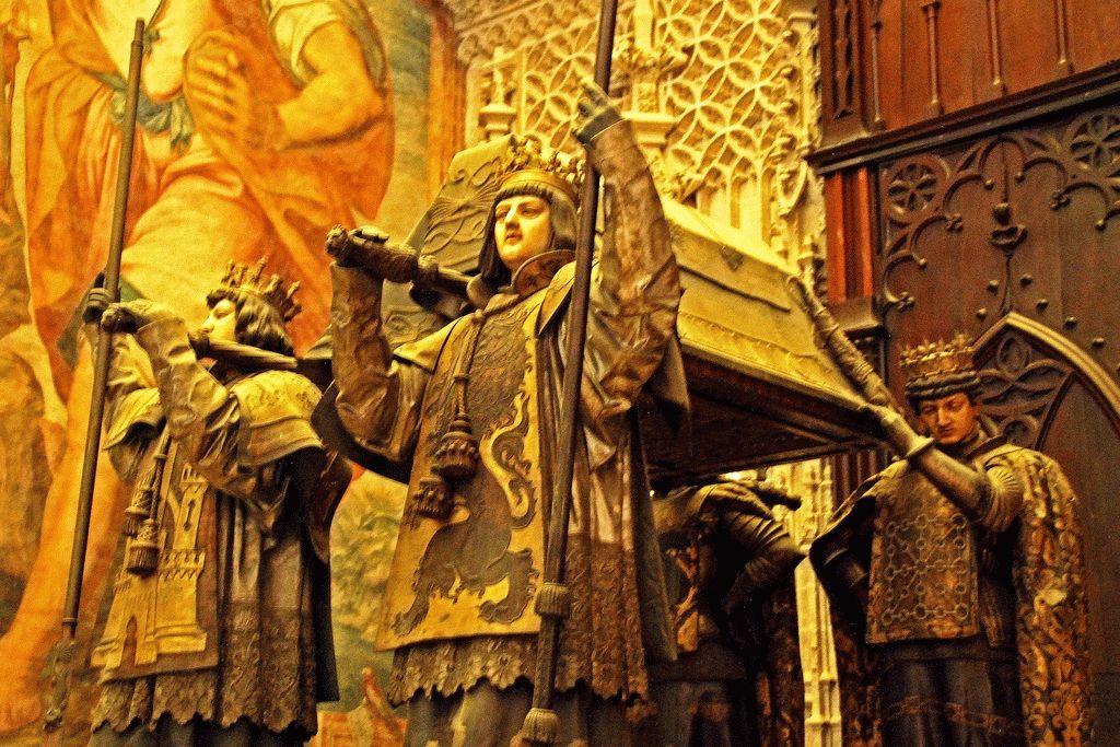севильский собор могила колумба фото