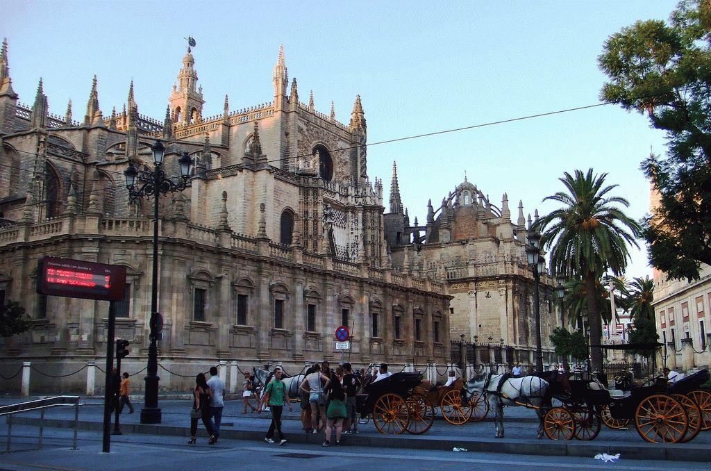Кафедральный собор Севильи фото