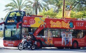 туристический автобус Севильи фото