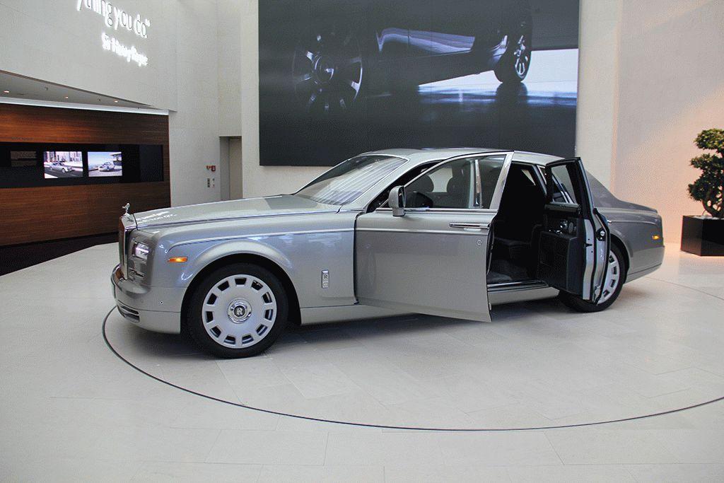 музей BMW Мюнхен машины фото