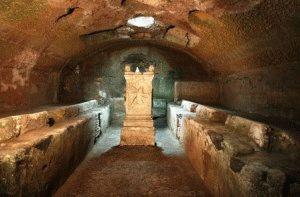 Рим Базилика Святого Клемента Митра святилище фото