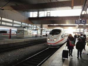 Поезд Дюссельдорф Амстердам фото