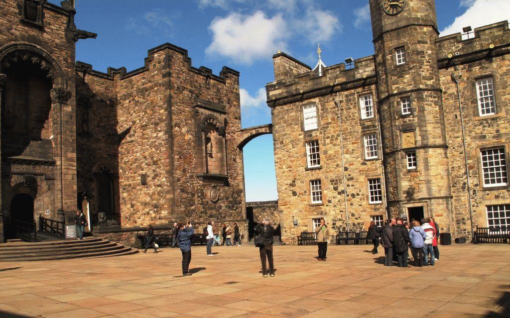 площадь в Эдинбургском замке ФОТО