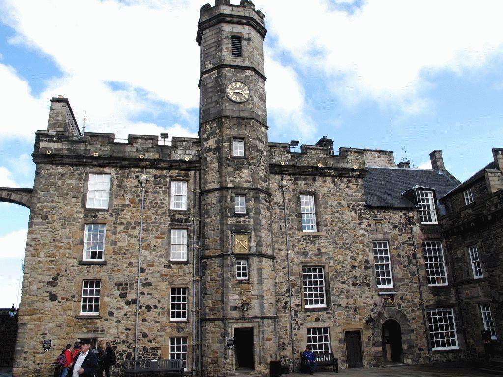 Королевский дворец в Эдинбургском замке фото