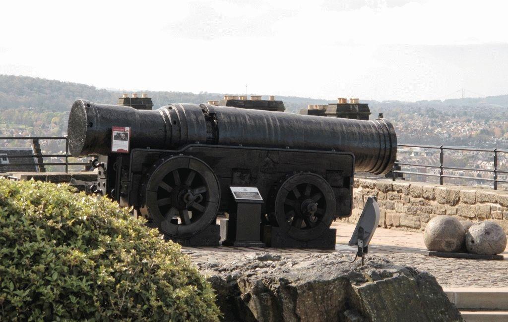 пушка эдинбургский замок фото шотландия