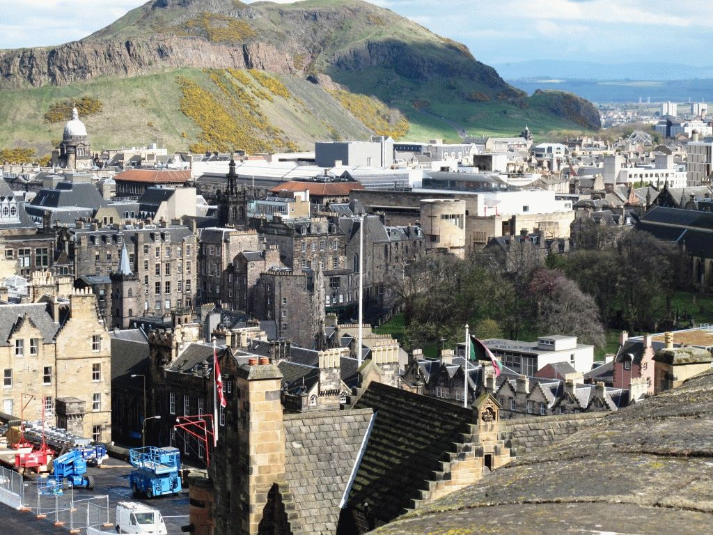 Вид на Эдинбург с замка фото