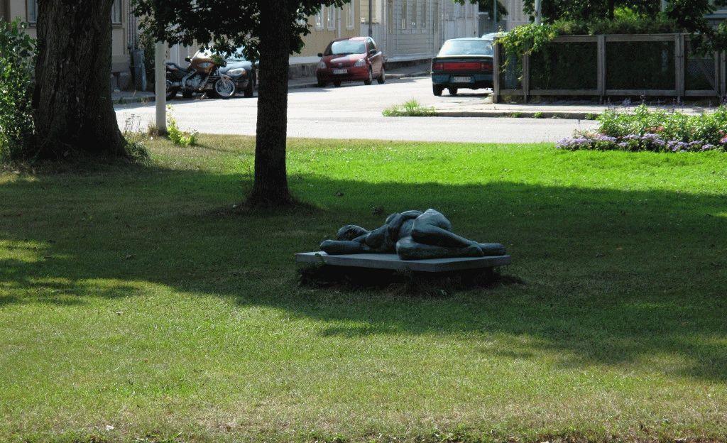 город Ханко Финляндия скульптура фото