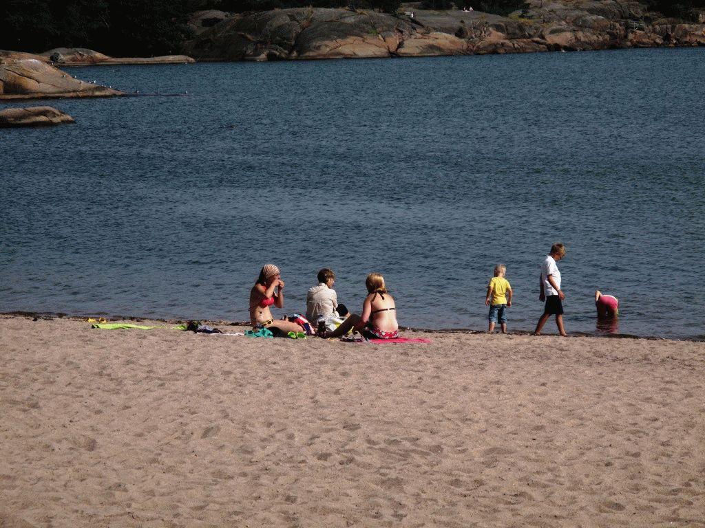 город Ханко Финляндия пляж дети фото