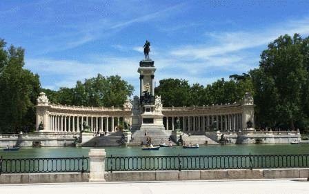 парк Ретиро Мадрид фото