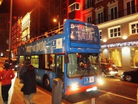 новогодний автобус в Мадриде Navibus фото