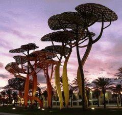 Ла Пинеда Коста Дорада статуя сосна пиния фото