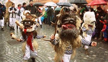 самым главным событием курентования является карнавал