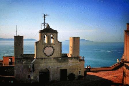 Castel Sant Elmo Замок Святого Эльма Неаполь фото