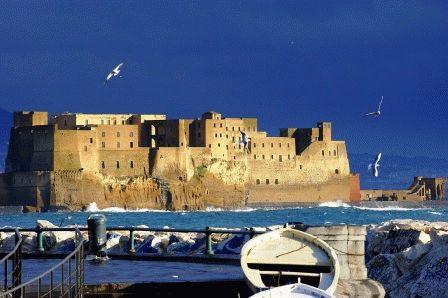 Castel dell Ovo замок Кастель-дель-Ово Неаполь фото