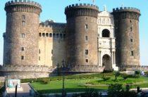 Другие достопримечательные места Неаполя: замки и музеи
