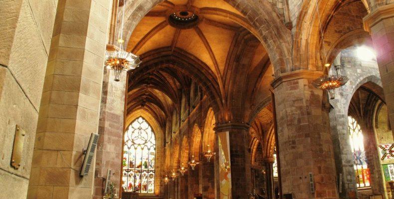 Собор святого Жиля (St Giles Cathedral) в Эдинбурге – фото