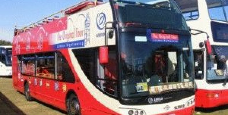 Двухэтажный туристический автобус The Original Tour в Лондоне