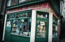 Музей игрушек Поллока в Лондоне (Pollock's Toy Museum)