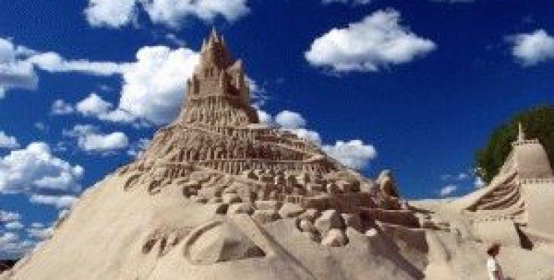 Замок из песка в Лаппеенранте – песчаный фестиваль