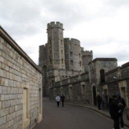 Замок Виндзор (Windsor Castle) – загородная резиденция королевской семьи